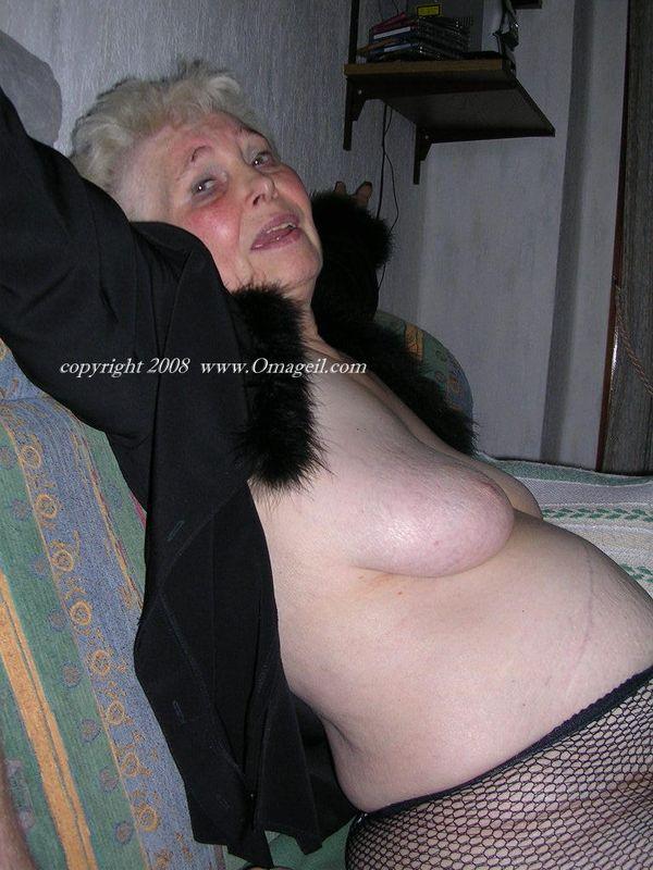 Geil oma nude granny