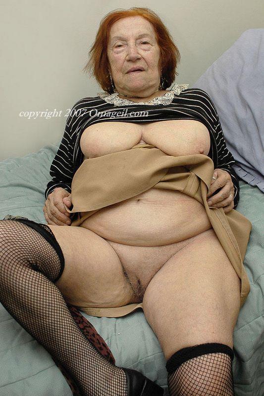 Nude granny oma geil sorry